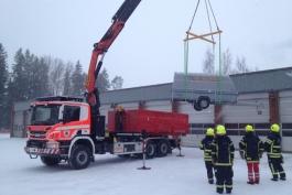 Nostopalkki-x-lift-meramatec-auton-perakarryn-nosto
